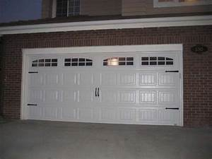 Luxury carriage style garage doors design ideas decors for Carriage type garage doors