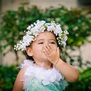 image bebe fille avec couronne fleur bebe et decoration With chambre bébé design avec fleur couronne