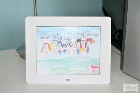 organising part  kids drawings digital photo frame