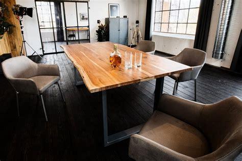 esstisch mit baumkante kasper wohndesign esstisch aus massiver akazie mit baumkante fu 223 silber 187 lore 171 kaufen otto