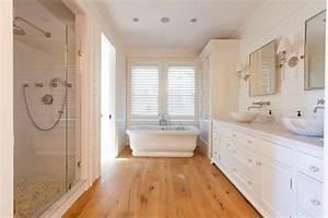 Cliff Road Area - Nantucket - Beach Style - Bathroom