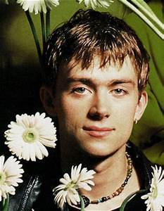 Damon Albarn Biography, Discography, Music News on 100 XR ...