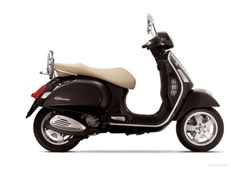 Vespa Gts Wallpapers by Vespa Gts 250 1024 X 768 Wallpaper