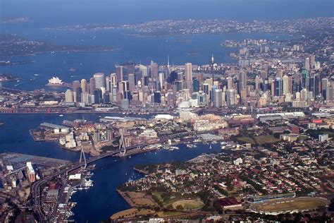 sydney skyline    flight