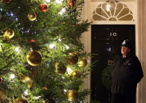 ever wondered how the number 10 downing street christmas