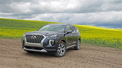 Satellite radio costs extra, lots of wind. 2020 Hyundai Palisade Reviews | Price, specs, features and ...
