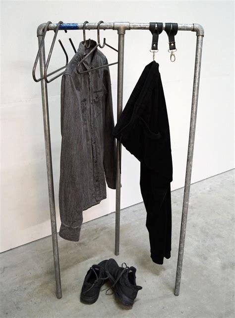 Kleiderständer Aus Wasserrohren by Kleiderst 228 Nder Aus Wasserrohren Eisen Mit Patina