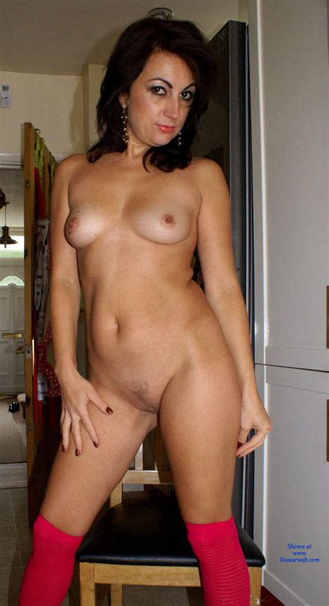 Anna 38 Teasing The Neighbours Before Getting Naked