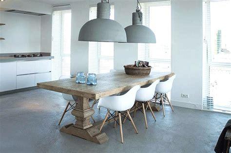 decoration chambre moderne table de ferme table monastère bois massif salle à