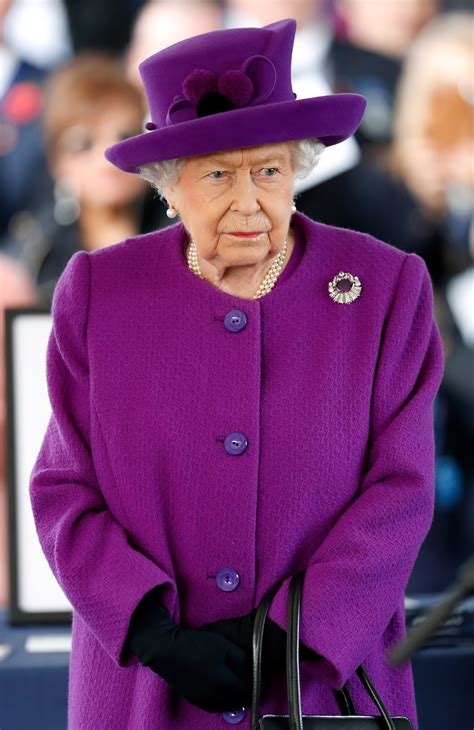 Queen Elizabeth Takes a Reassuring Tone in Her Statement on the COVID-19 Pandemic | Vogue