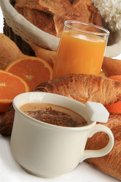 There's no hard and fast definition for what a breakfast blend is, as it turns out. Breakfast, Coffee , Bread And Fruits Stock Photo - Image of healthy, breakfast: 9104358