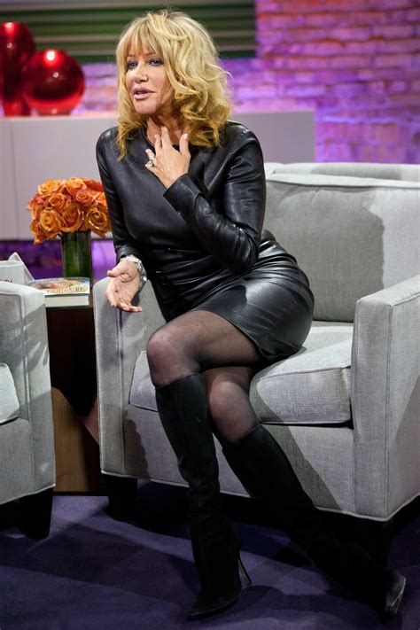pin  celebs  super sexy leather latex  boots