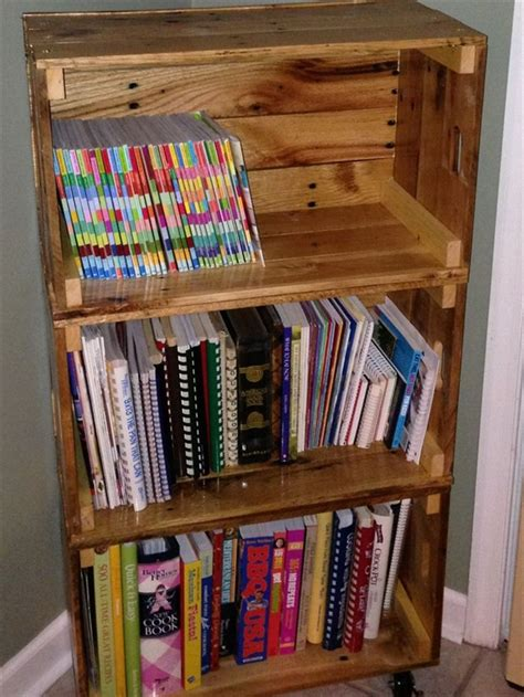 diy bookshelf ideas  pallet wood pallet furniture plans
