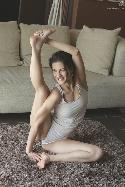 flexible chick likes sex after yoga milf fox