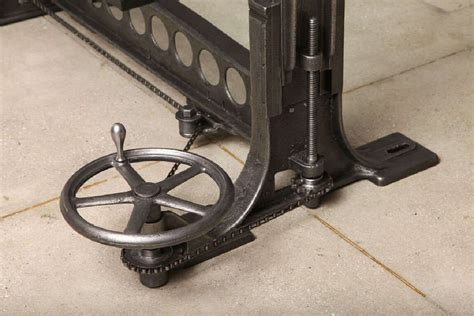 chain drive adjustable table