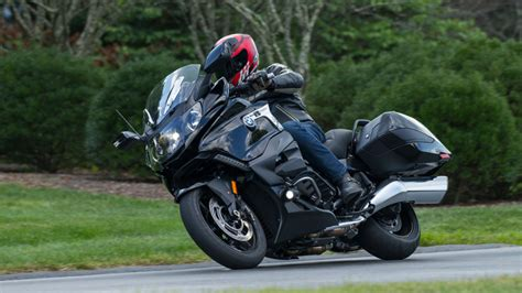Modification Bmw K 1600 B by The New Bmw K 1600 B Motorcycle Is One Beautiful Bagger