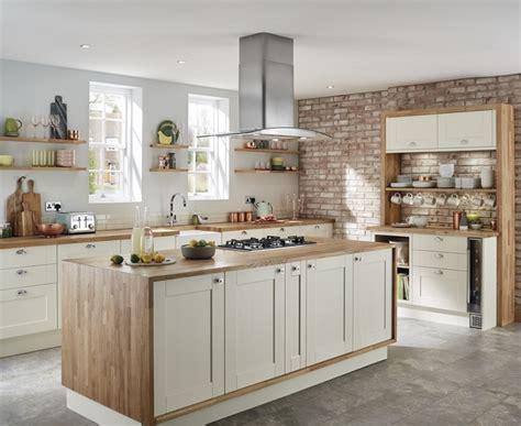 Fairford Antique White Kitchen