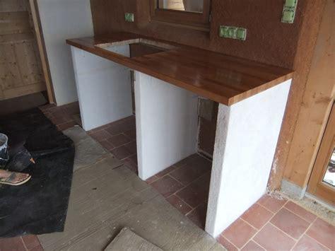 comment construire une cuisine cuisine d ete en beton cellulaire barbecue ou cuisine en