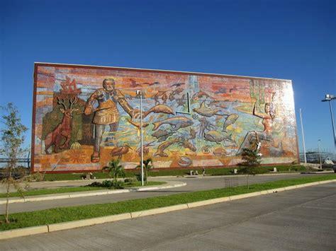 David Alfaro Siqueiros Murales by Ernesto Rios Rocha La Renovaci 243 N Del Muralismo Mexicano