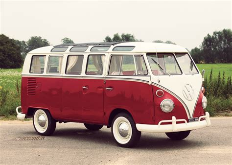 21-window Deluxe Volkswagen Type 2