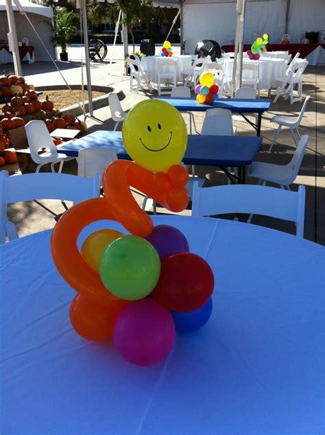 balloon centerpieces balloon city   unique decorating