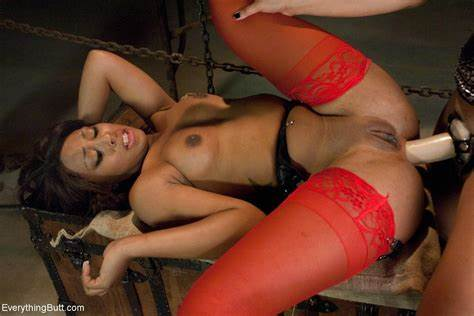 Extreme Babe Penetrated Strap James Deen