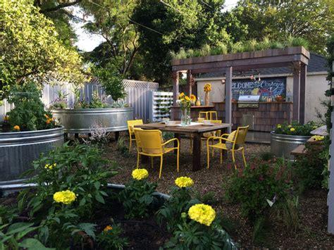 Kitchen Cabinet Remodeling Ideas - urban farm backyard
