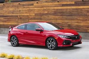 2017 Honda Civic Si Front Three Quarter 11