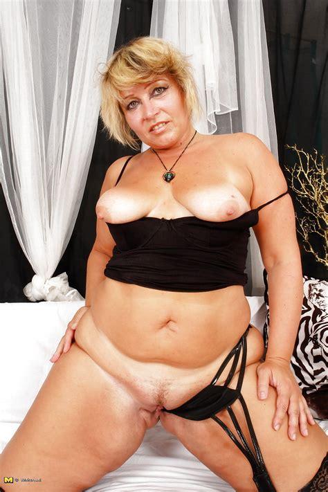 Brazilian Mature Fat Ass 8 Pics