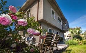 Wohnungen Mit Garten : freistehendes doppelhaus mit 2 wohnungen mit 2 eing ngen garten wlan fewo direkt ~ Orissabook.com Haus und Dekorationen