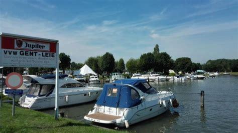 Ligplaats Gent by Jachthaven Snepkaai Leiestreek