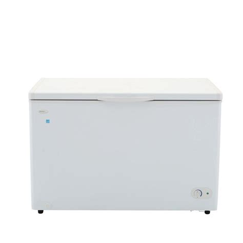 ge energy chest freezer magic chef 5 2 cu ft chest freezer in white hmcf5w2