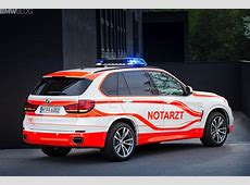 BMW X5 xDrive30d and BMW M235i paramedic vehicles