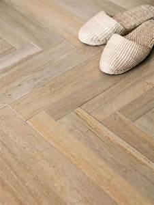 Fußboden Fliesen Verlegen : bodenfliesen in holzoptik verlegen welche sind die vorteile einrichten und wohnen ~ Frokenaadalensverden.com Haus und Dekorationen
