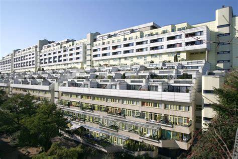 Wohnblock Tetris In Berlin by Schlangenbader Stra 223 E Degewo