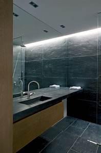 grand miroir contemporain un must pour la salle de bain With carrelage adhesif salle de bain avec eclairage led atelier