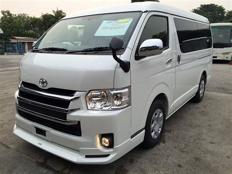 Toyota Hiace by In Town Toyota Hiace Gl 3 0 A No Rental