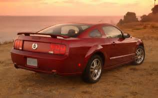 2005 ford mustang gt track test review motor trend