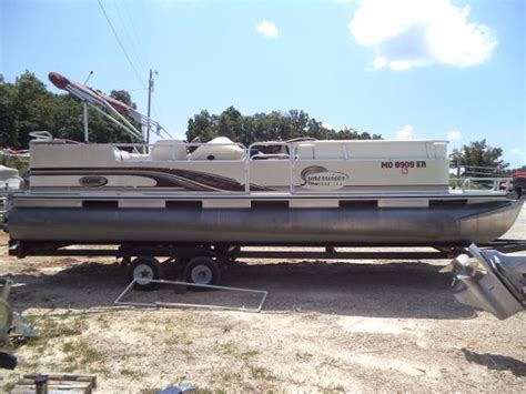 Tritoon Boats For Sale Missouri by Lowe 240 Trinidad Tri Toon Boats For Sale In Missouri