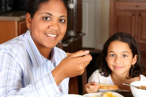 Reasons You Should Eat Meals With Your Teen