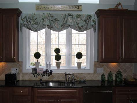 kitchen window treatments traditional window