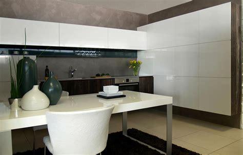 Moderné Kuchyne Biele, Lesklé Na Mieru