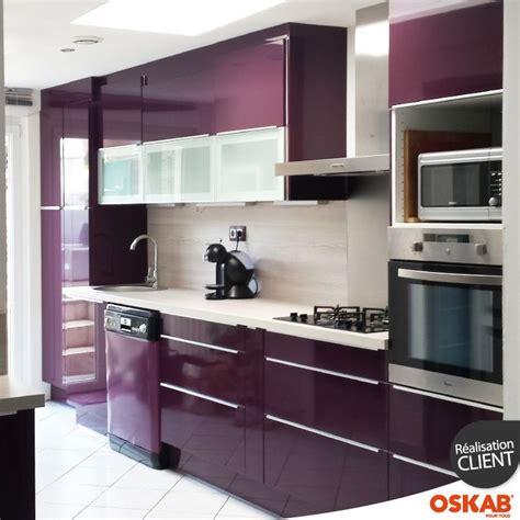 couleur aubergine cuisine cuisine couleur aubergine ultra moderne et colorée photos cuisine and 3d