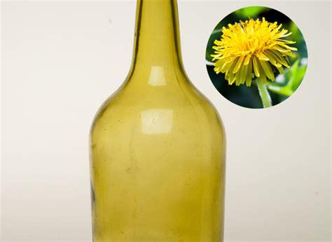 cuisiner les pissenlits cuisiner les mauvaises herbes liqueur de fleurs de pissenlit