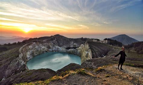 crater kelimutu el volcan bicolor el viajero feliz