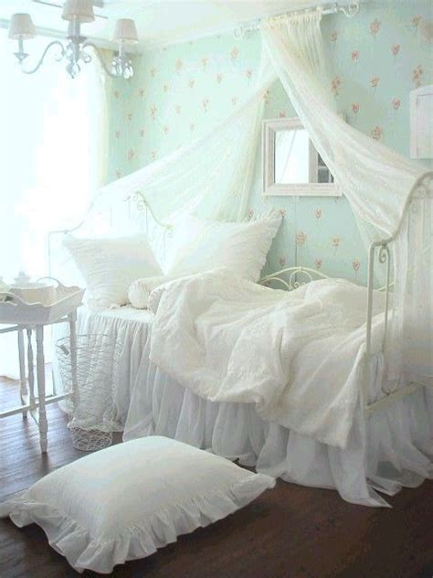 shabby chic bedroom images perfect shabby chic vintage bedrooms i heart shabby chic