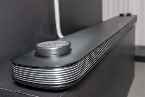 LG Signature OLED65W7P W7 Wallpaper OLED TV Review