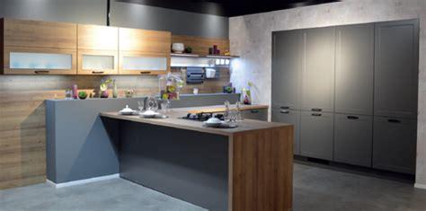 cuisiniste chartres le réseau cuisines aviva s 39 installe en franchise à chartres