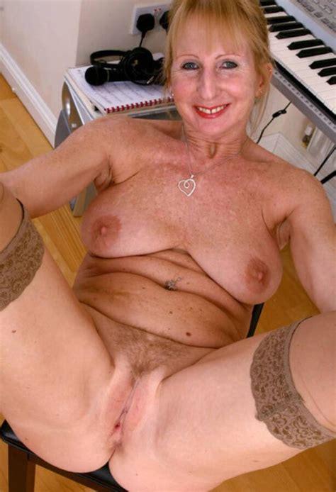 british mature poppy mature porn photo