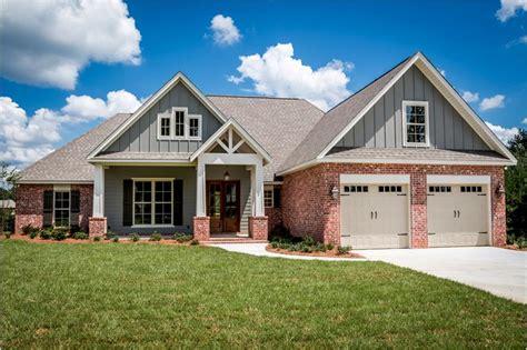 bedrm  sq ft craftsman house plan  video